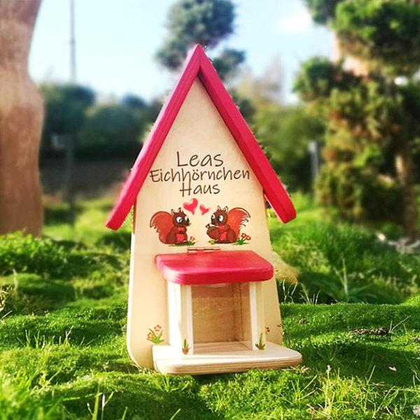 Eichhörnchen Futterhaus als Geschenk personalisiert und beschriftet