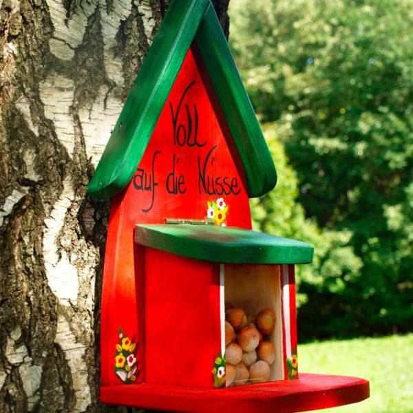 Eichhörnchen Futterhaus Geschenkidee personalisiert