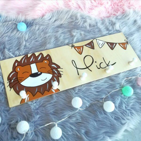 Garderobe Kinderzimmer Löwe