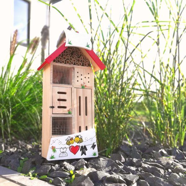 Insektenhotel zur Hochzeit verschenken