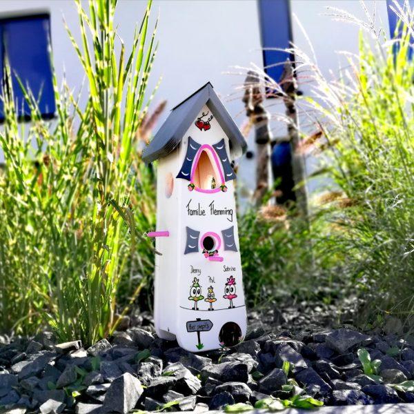 Vogelhaus, Nistkasten groß aus Holz handbemalt mit Namen & Motiven als Geschenk