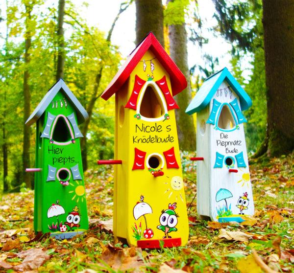 Vogelhaus, Nistkasten Knödelbude aus Holz handbemalt mit Namen und Motiven als Geschenk