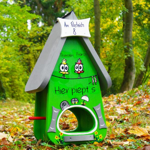 Vogelhaus, Futterhaus aus Holz handbemalt mit Name & Adresse als Geschenk