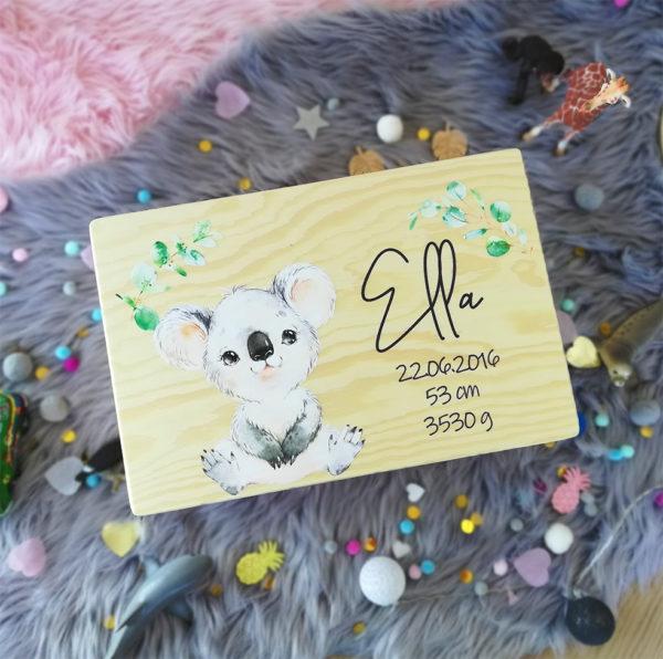 Erinnerungskiste Koala Erinnerungsbox Dschungel Boho Geschenk zur Taufe und Geburt mit Name und Geburtsdatum
