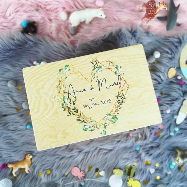 Hochzeit Erinnerungen aufbewahren personalisiertes Hochzeitsgeschenk mit Namen des Brautpaares und Hochzeitsdatum